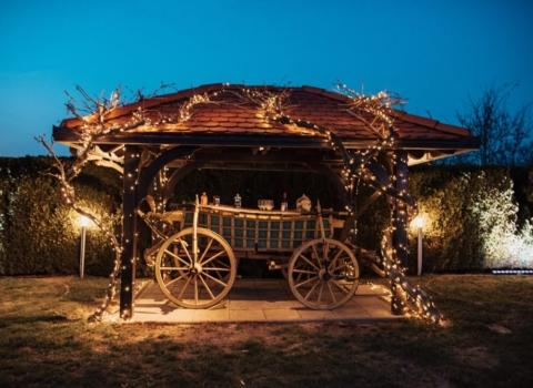 Prostor za intimno vjenčanje GoDji rasvjeta i DJ – Day weddings by Zahra 3
